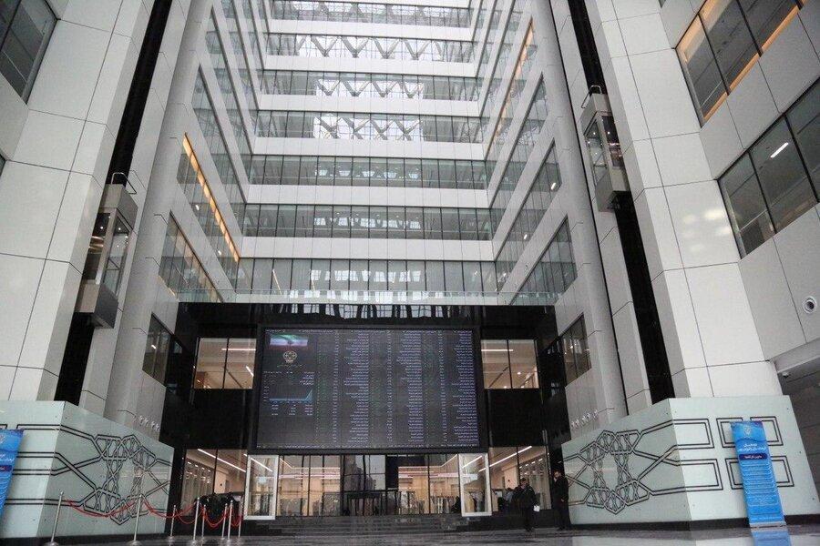 جزئیات فروش سهام باقی مانده دولت در 5 بانک و بیمه ، کد بورسی الزامی نیست