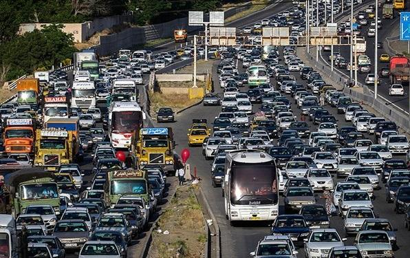 ترافیک سنگین در هراز و کندوان و باران در فیروزکوه، جاده چالوس و هراز یک طرفه می گردد