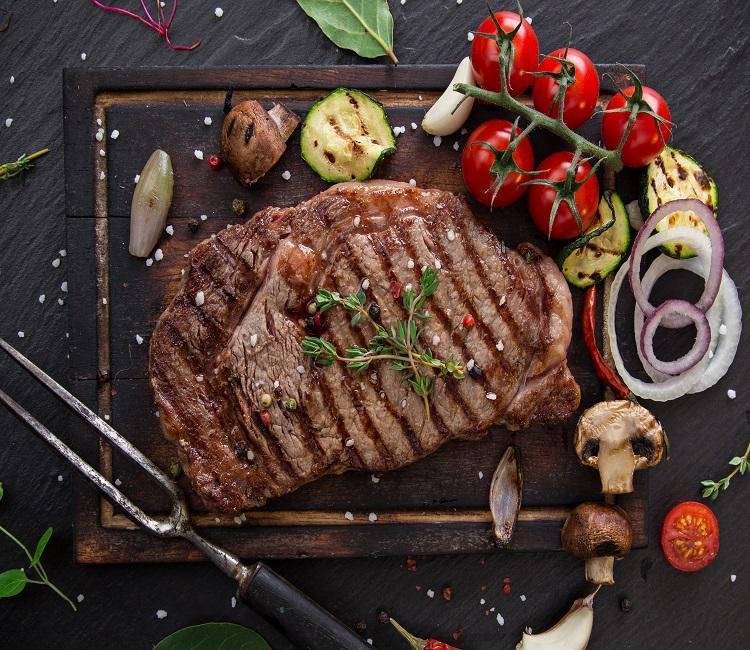 بهترین طرز تهیه استیک گوشت در ماهیتابه یا گریل و تمام نکات تکنیکی استیک حرفه ای