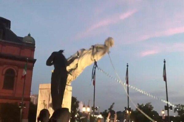 معترضان مجسمه کاشف آمریکا را هم به زیر کشیدند