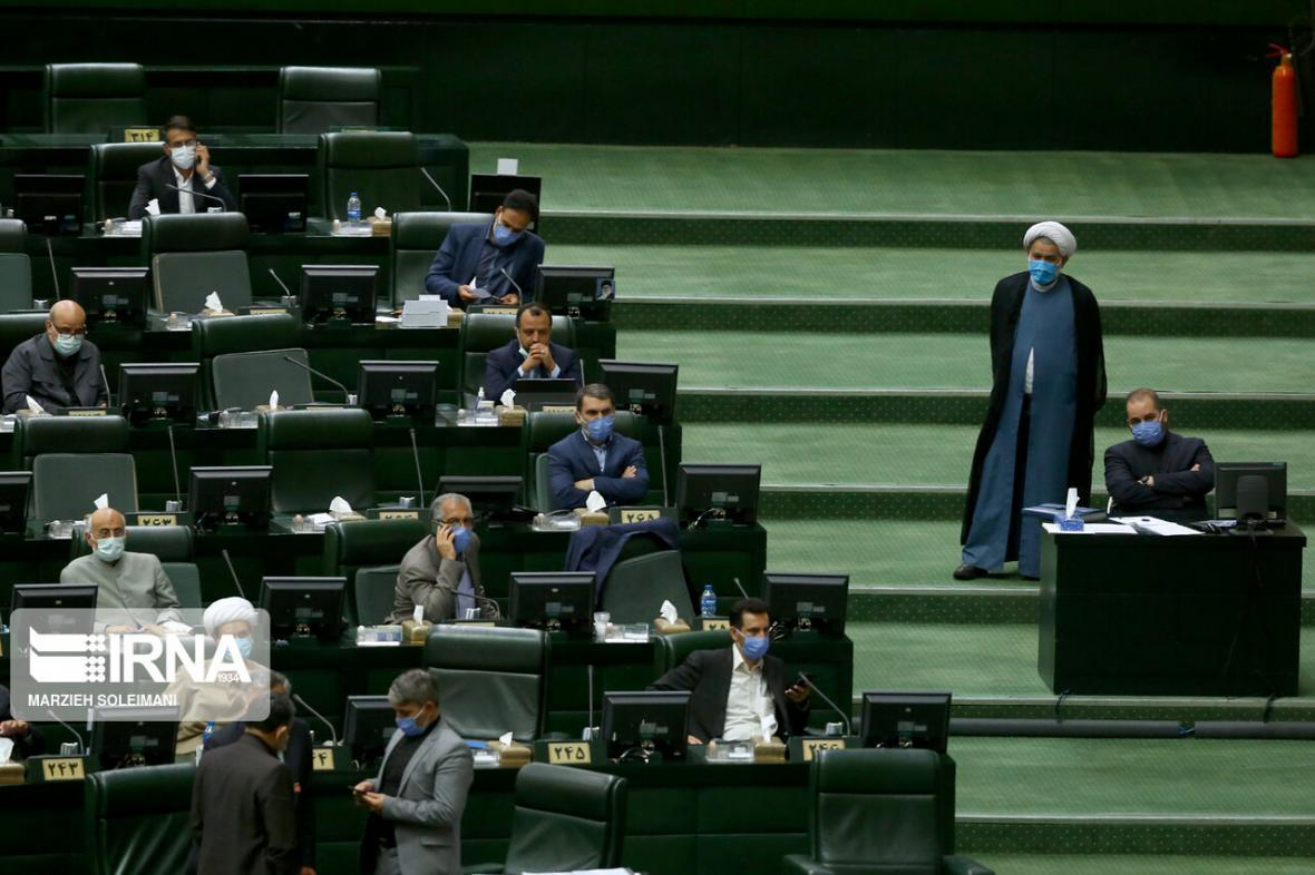 خبرنگاران نماینده قزوین: هیات رییسه مجلس به مسابقه غیرضروری طرح نویسی سرانجام دهد