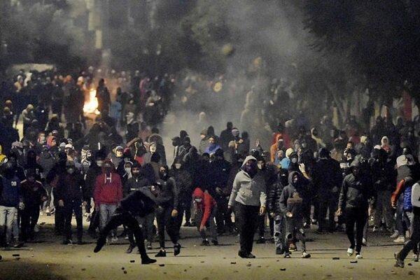معترضان تونسی انحلال مجلس را خواهان شدند