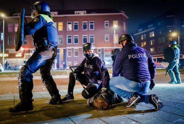 خبرنگاران ضربه بحران کرونا بر پایه های دمکراسی در اروپا