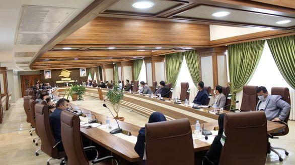 از تمام ظرفیت های قانونی جهت دست یابی به راهبردهای توسعه ای منطقه باید استفاده کرد