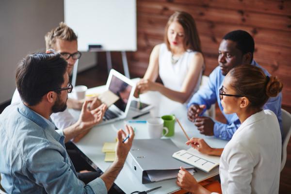 چگونه به رشد کارکنان یاری کنیم؟